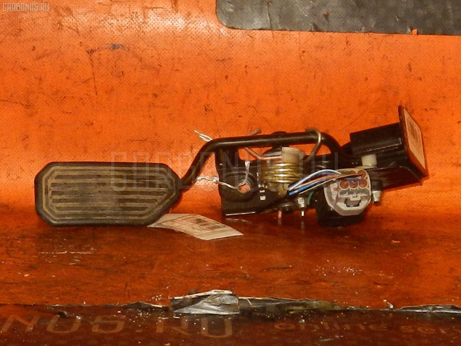 Педаль подачи топлива TOYOTA CALDINA AZT246W 1AZ-FSE. Фото 9