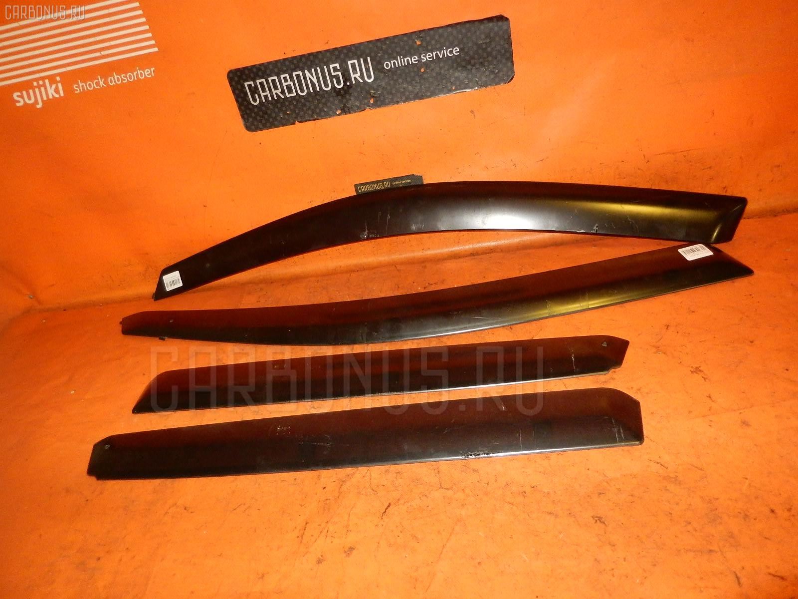 Ветровик Honda Civic EU3 Фото 1