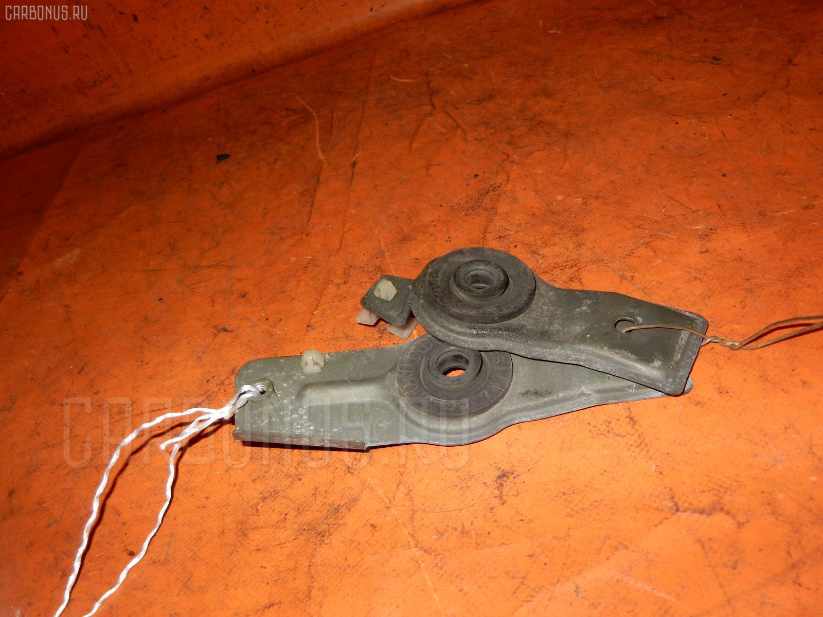 Крепление радиатора NISSAN BLUEBIRD QU14 Фото 1
