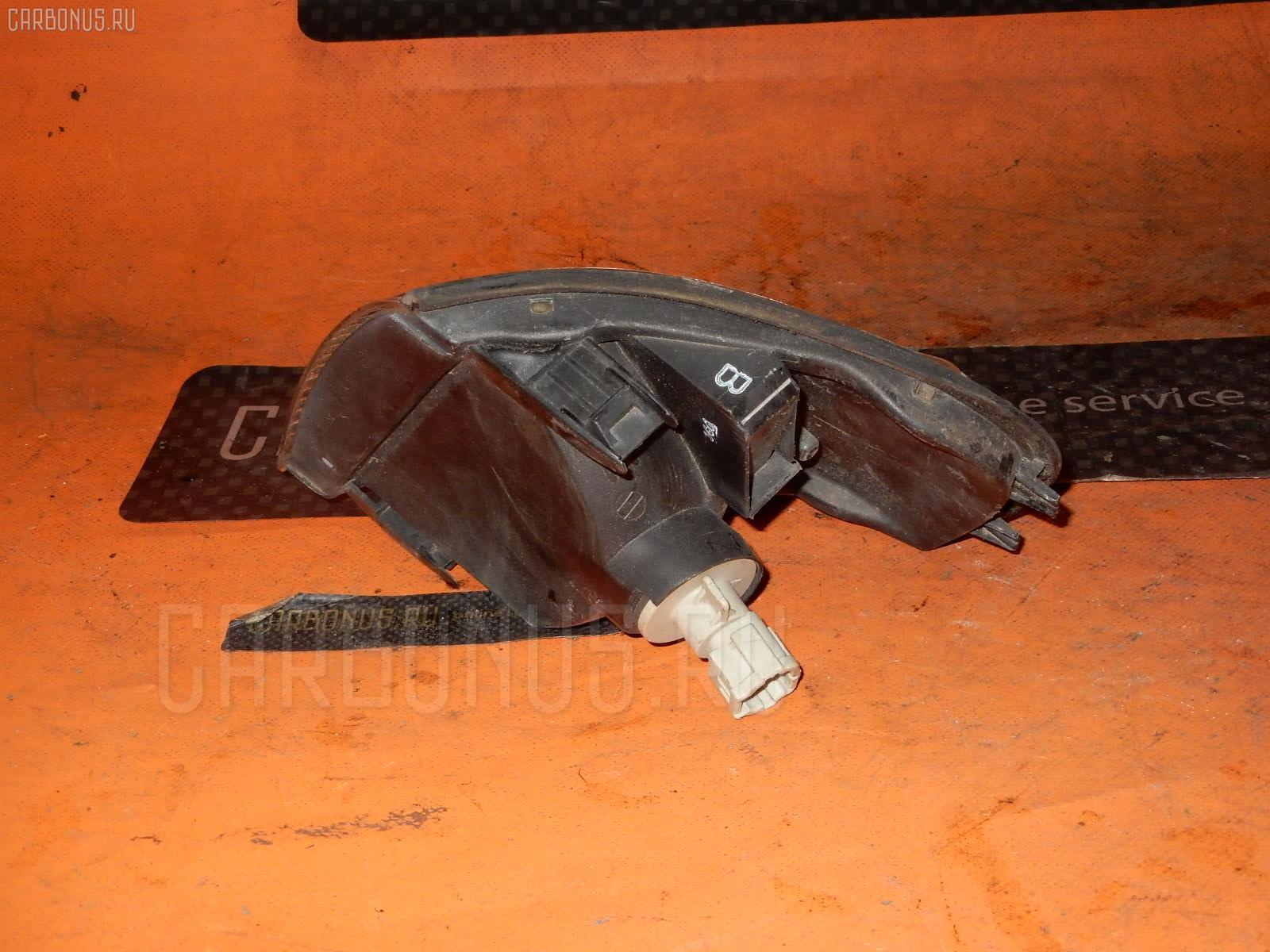 Поворотник к фаре Nissan Sunny B15 Фото 1
