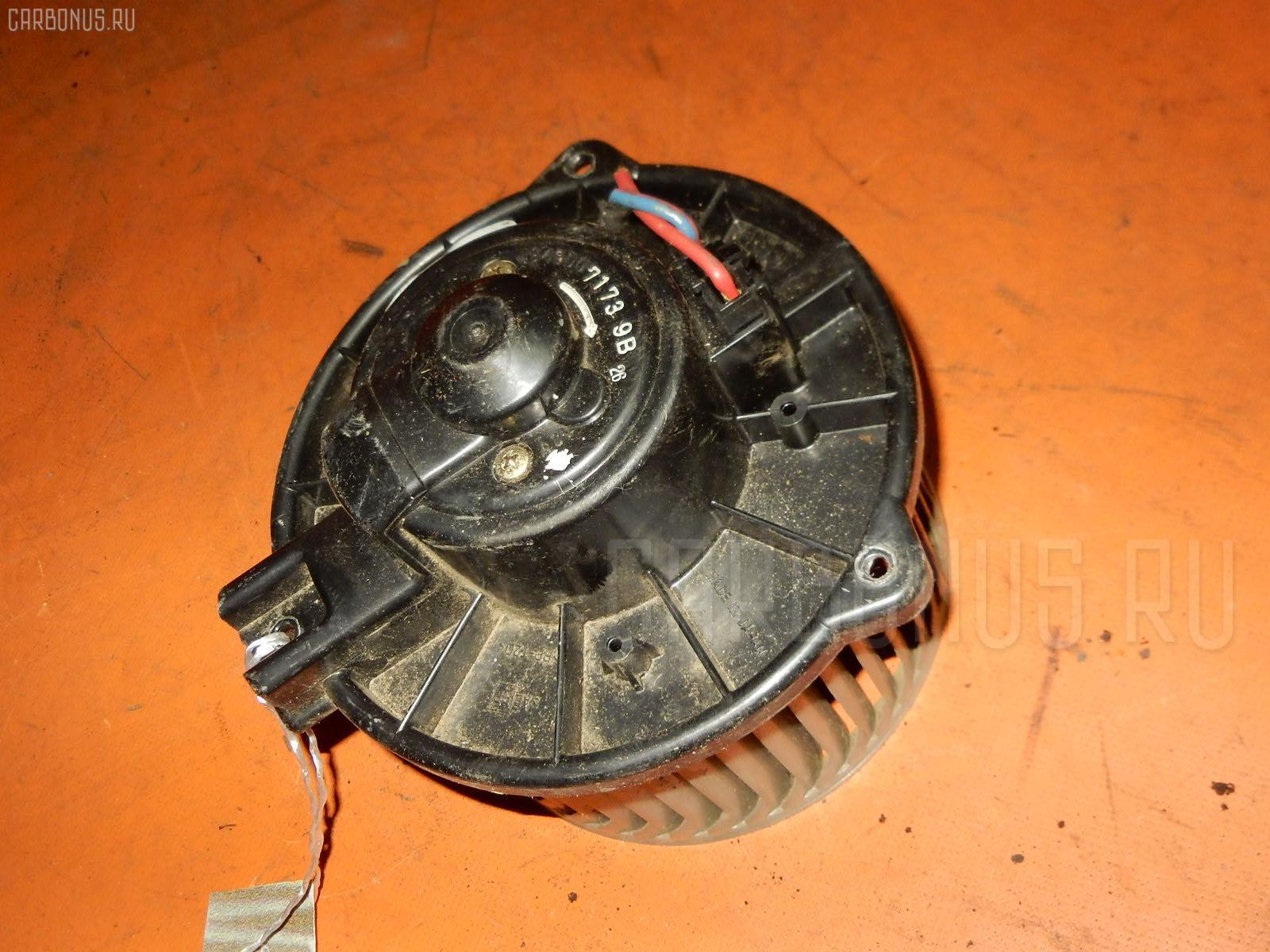 Мотор печки TOYOTA GRAND HIACE VCH10W. Фото 1