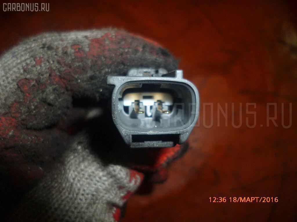 Датчик положения коленвала TOYOTA VOXY AZR60G 1AZ-FSE Фото 2