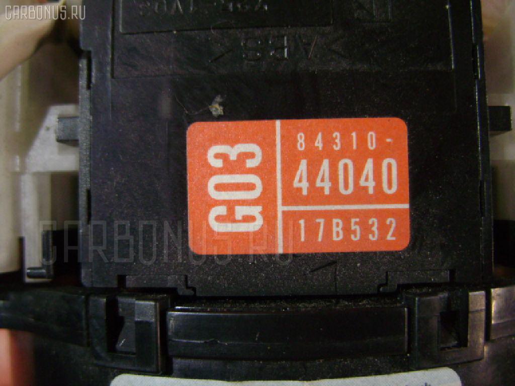 Переключатель поворотов TOYOTA IPSUM SXM15G. Фото 10