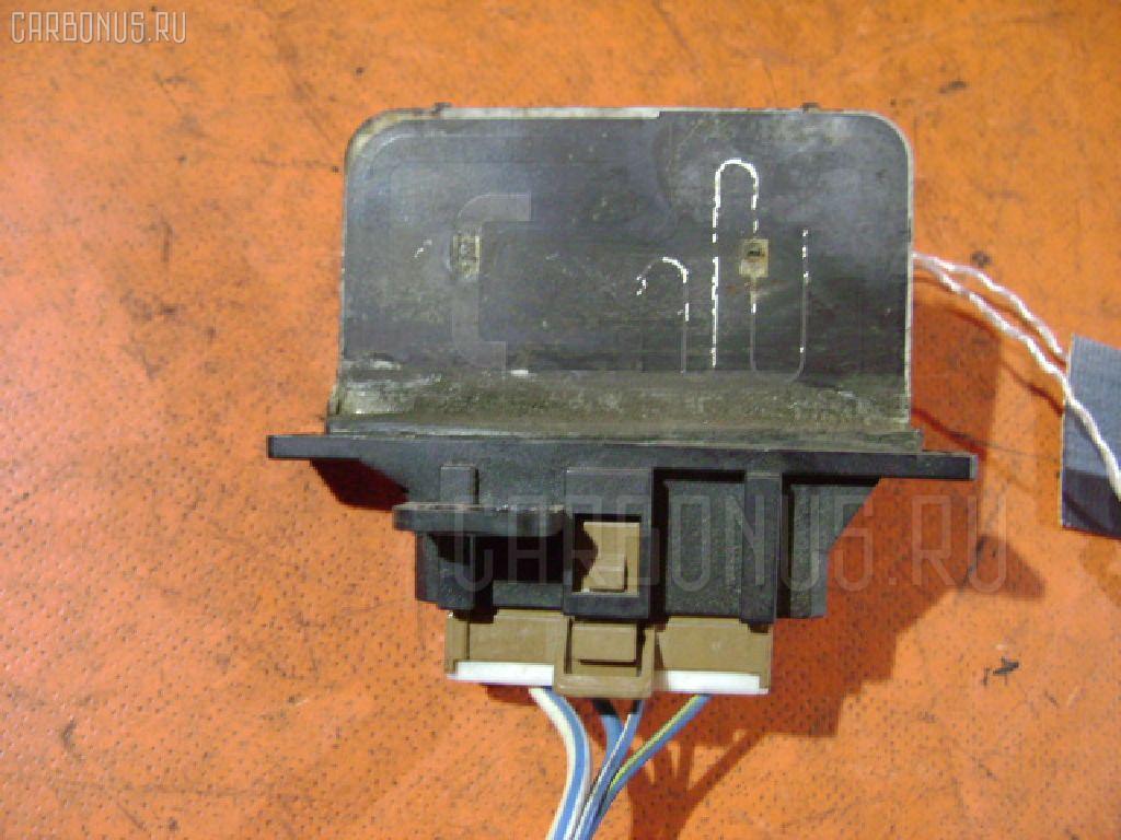 Регулятор скорости мотора отопителя NISSAN EXPERT VW11 Фото 1