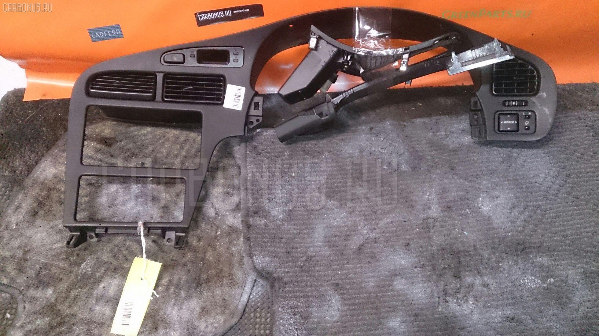 Консоль магнитофона Toyota Carina ed ST202 Фото 1