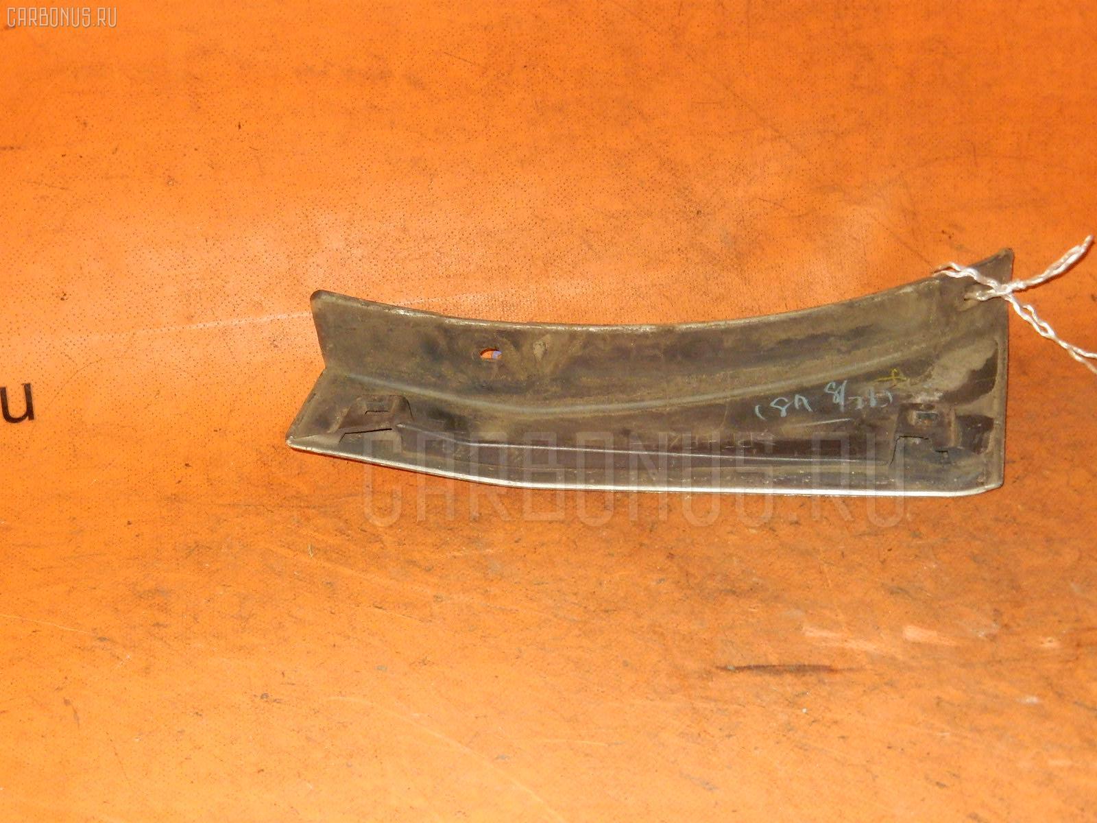 Накладка на крыло TOYOTA IPSUM SXM10G Фото 1