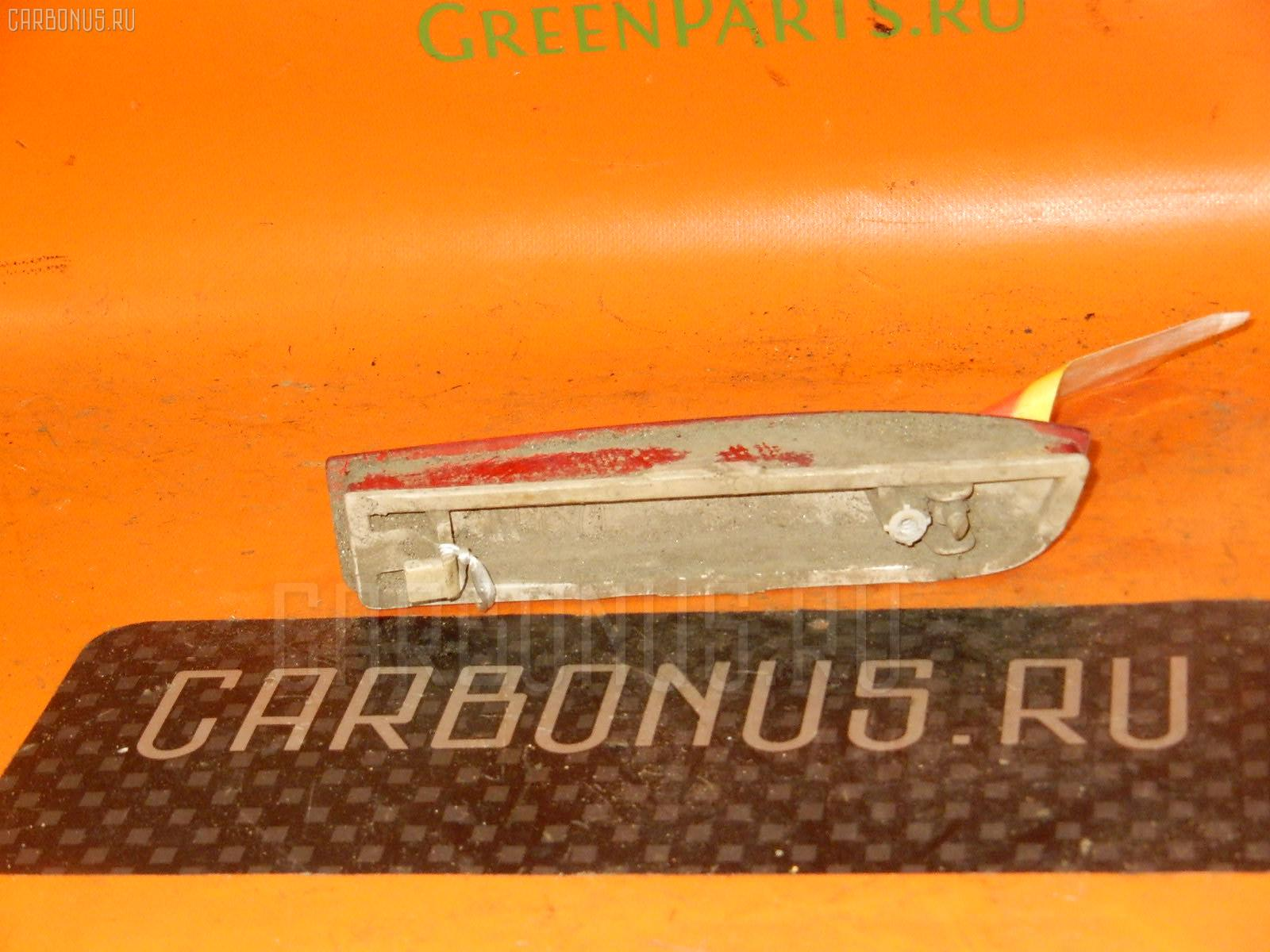Катафот заднего бампера TOYOTA IPSUM ACM21W Фото 2