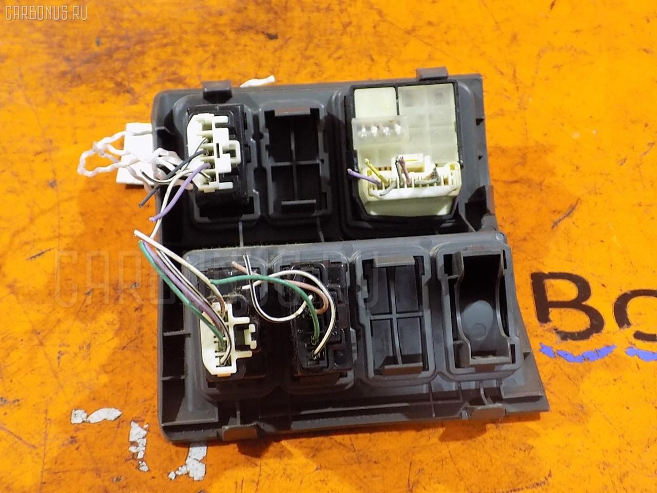Блок управления зеркалами Toyota Sienta NCP81G 1NZ-FE Фото 1