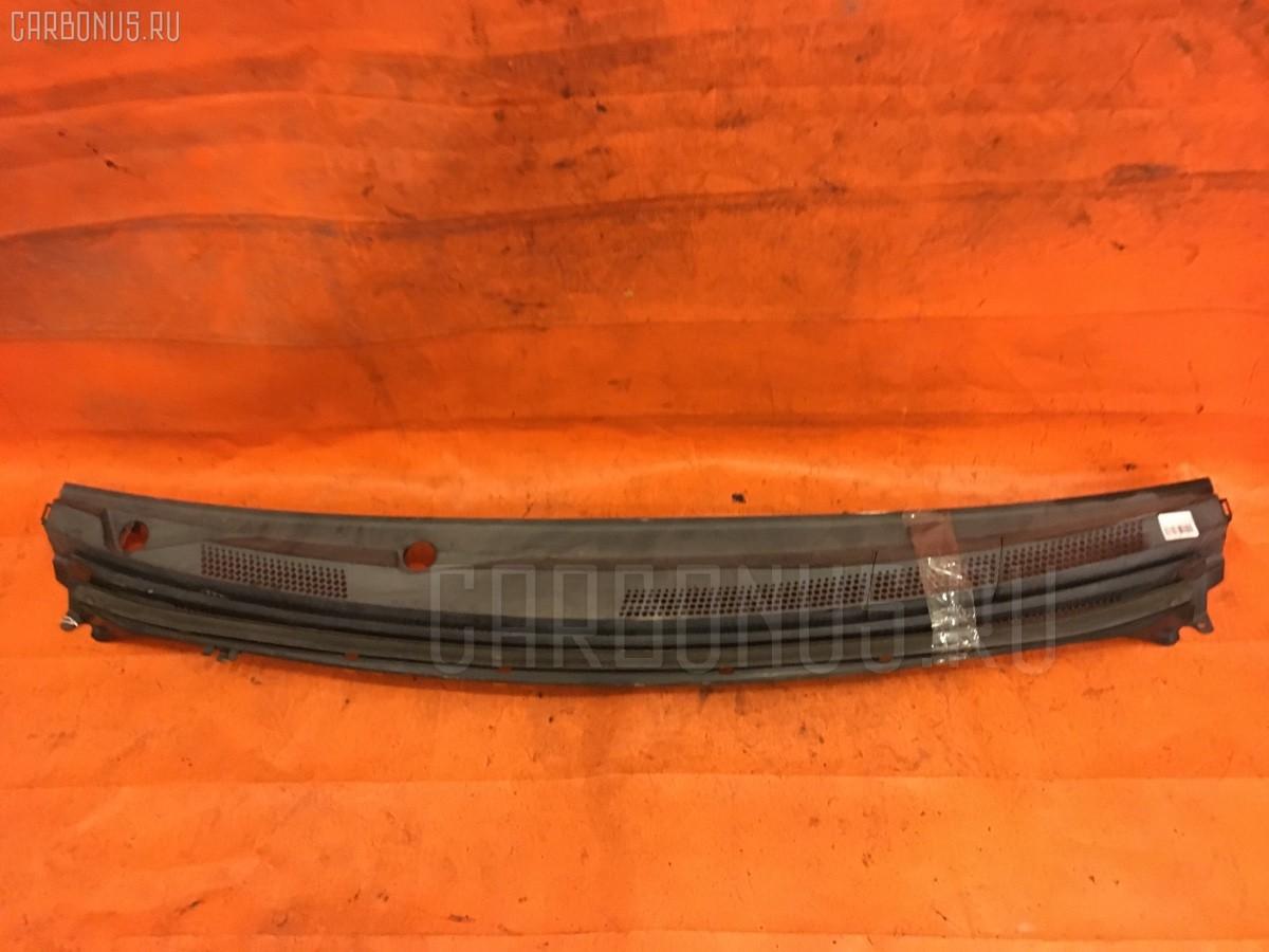 Решетка под лобовое стекло MR598493 на Mitsubishi Colt Z25A Фото 1