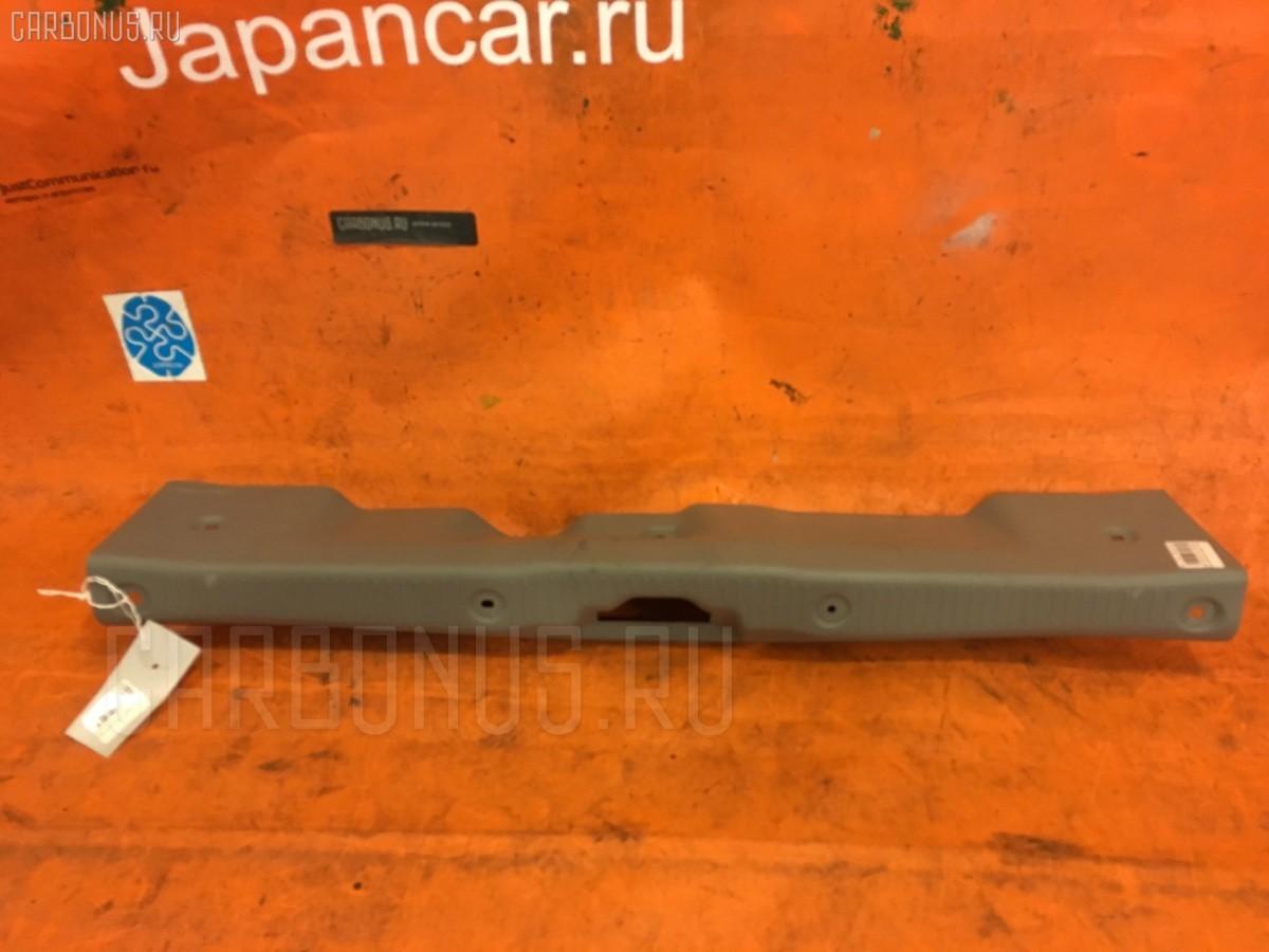 Обшивка багажника на Mazda Demio DW3W Фото 1
