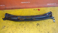 Решетка под лобовое стекло на Toyota Voxy AZR60G