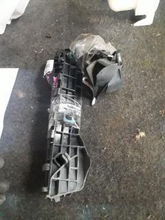 Крепление бампера на Toyota Aqua NHP10 Фото 4