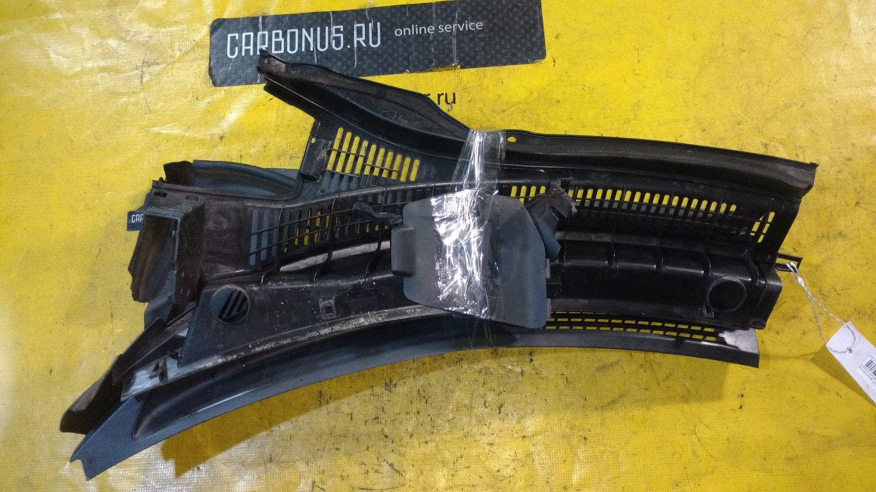 Решетка под лобовое стекло на Suzuki Swift ZC71S Фото 1