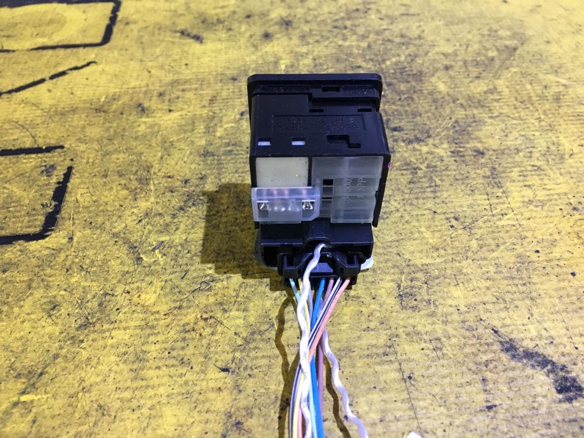 Блок управления зеркалами на Toyota Ractis NCP100 1NZ-FE Фото 1