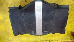 Корпус воздушного фильтра на Mercedes-Benz Clk-Class C209.365 112.955 A1120901101
