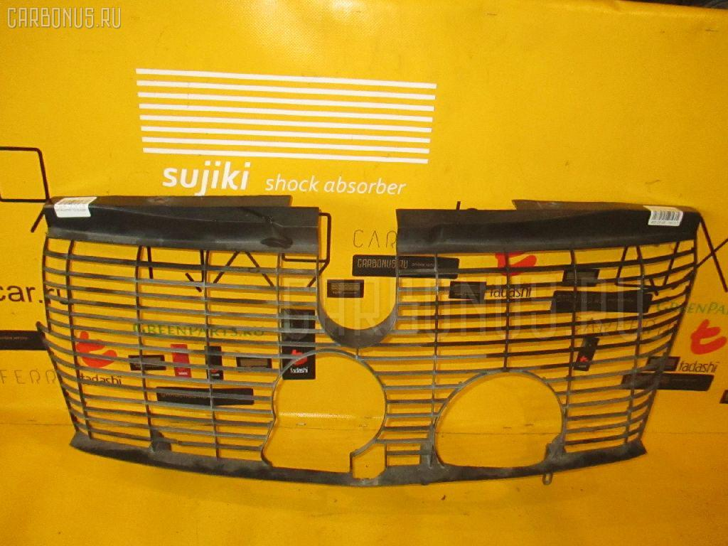 Решетка радиатора MERCEDES-BENZ E-CLASS STATION WAGON S210.261 Фото 1