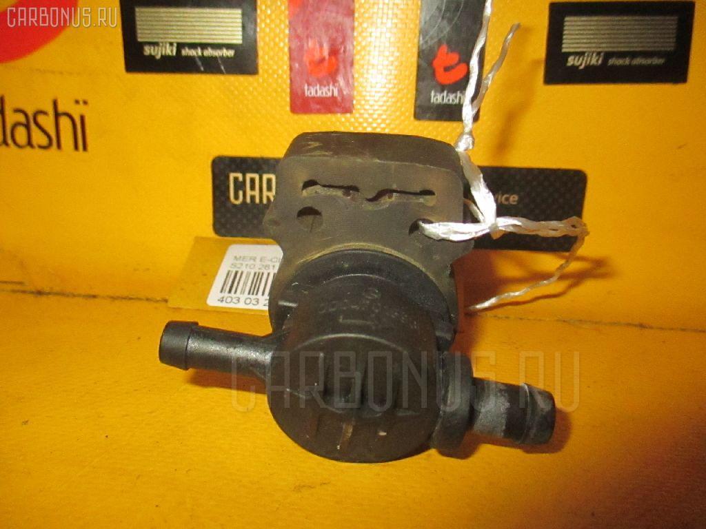 Клапан вентиляции топливного бака MERCEDES-BENZ E-CLASS STATION WAGON S210.261 112.911 Фото 2