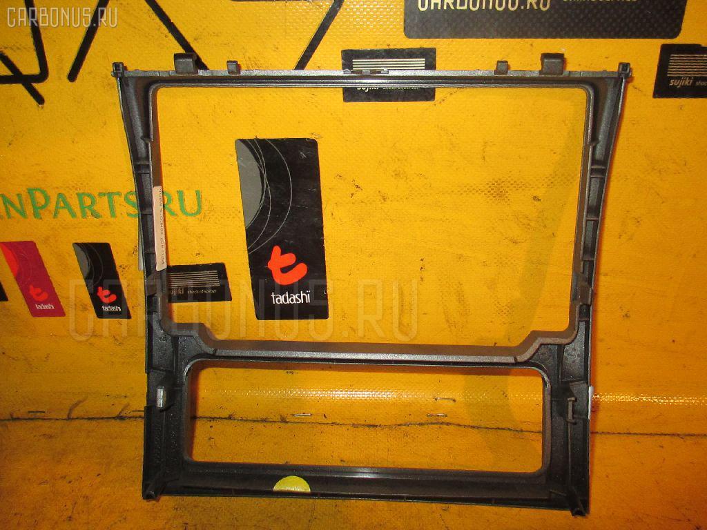 Консоль магнитофона PEUGEOT 407 6D3FZ Фото 1