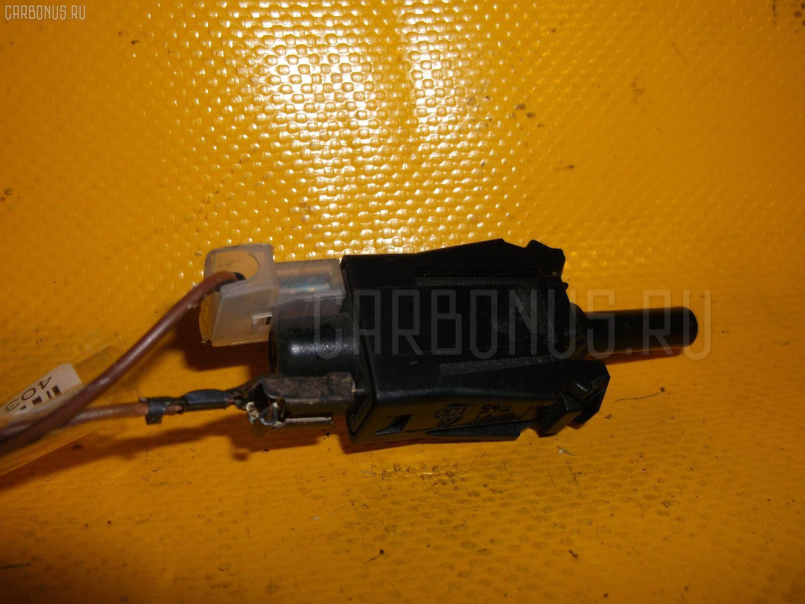 Датчик включения стоп-сигнала Mercedes-benz E-class station wagon S210.270 Фото 1