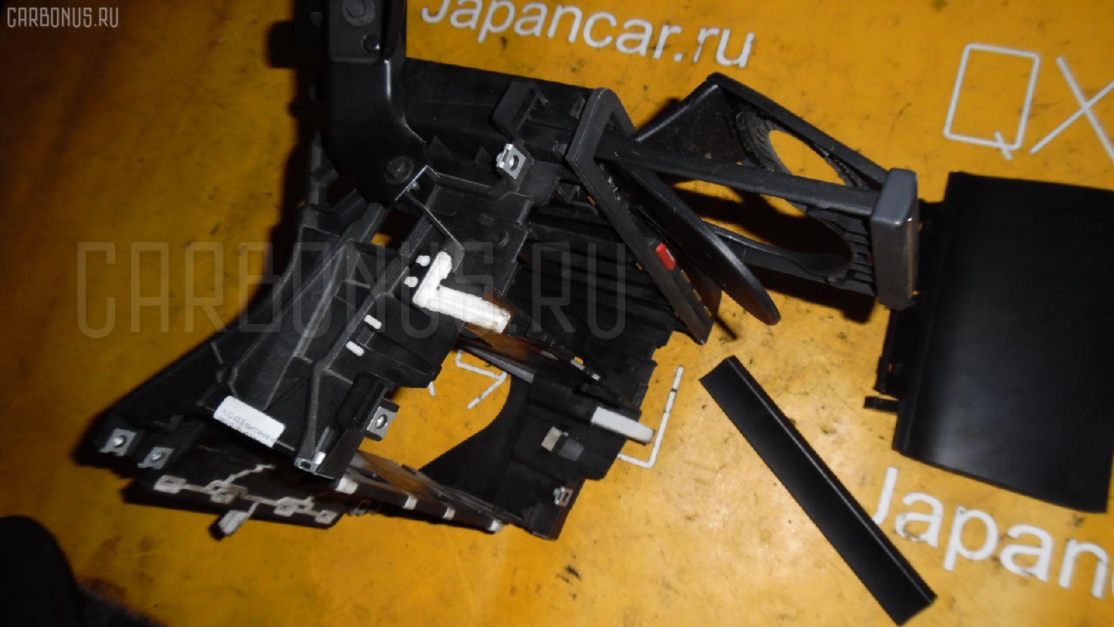 Крепление магнитофона AUDI A3 SPORTBACK 8PBLR Фото 1