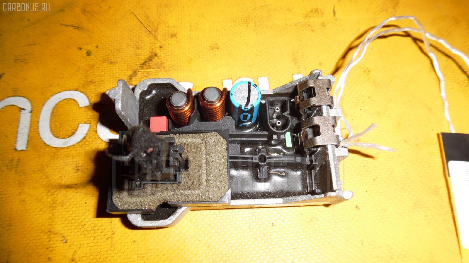 Регулятор скорости мотора отопителя MERCEDES-BENZ E-CLASS W211.070 Фото 1