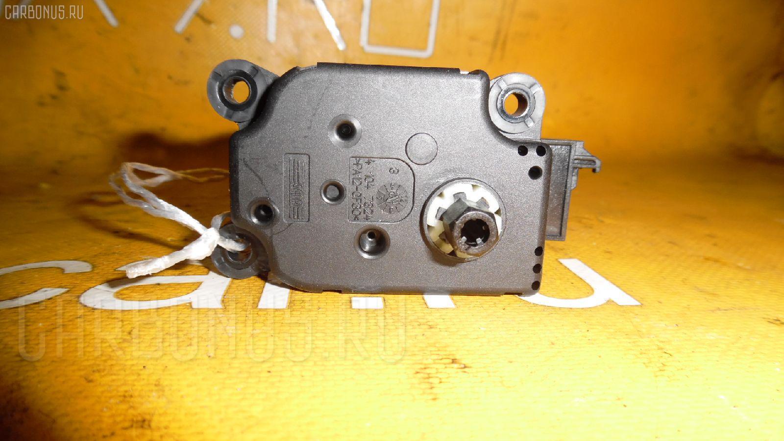 Моторчик заслонки печки MERCEDES-BENZ E-CLASS W211.070. Фото 7