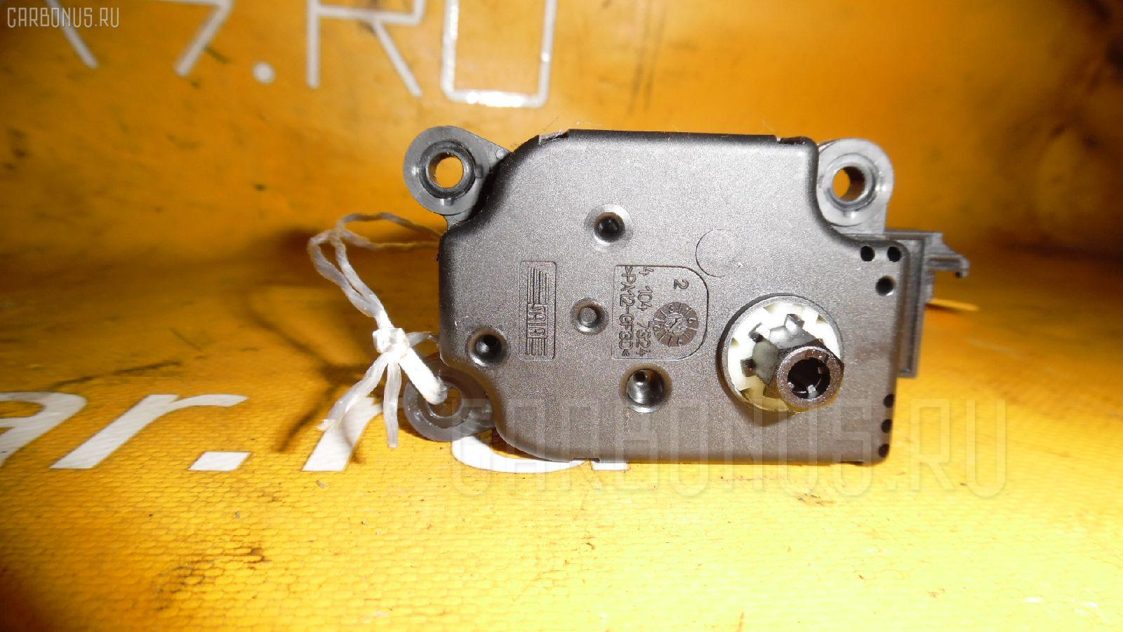 Моторчик заслонки печки MERCEDES-BENZ E-CLASS W211.070. Фото 10