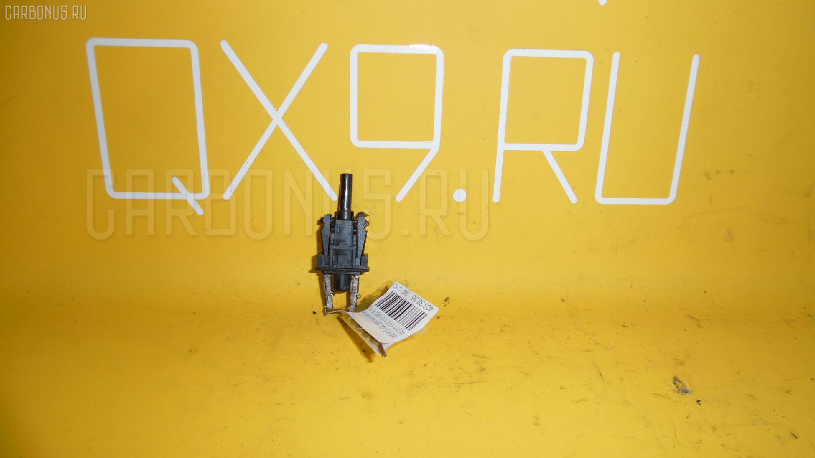 Датчик включения стоп-сигнала MERCEDES-BENZ E-CLASS W211.070 Фото 1