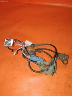 Датчик ABS NISSAN PRIMERA WAGON WTP12 QR20DE Переднее Левое
