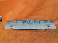 Обшивка багажника на Toyota Isis ANM15G 67935-44040, Заднее расположение