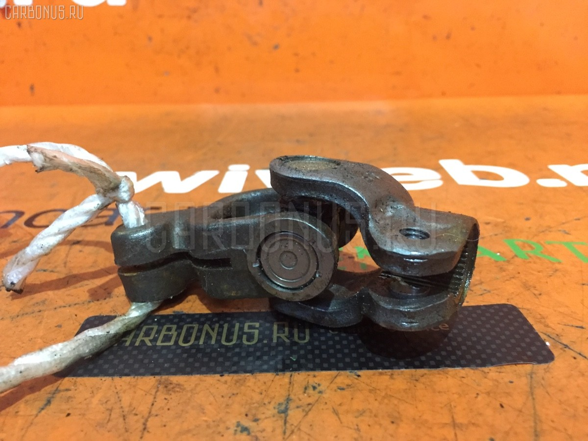 Рулевой карданчик на Toyota Vitz SCP13 Фото 1
