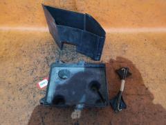 Крепление аккумулятора Mazda Demio DY3W Фото 1
