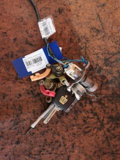 Замок зажигания +3личинки в двери на Toyota Crown JZS171 Фото 2