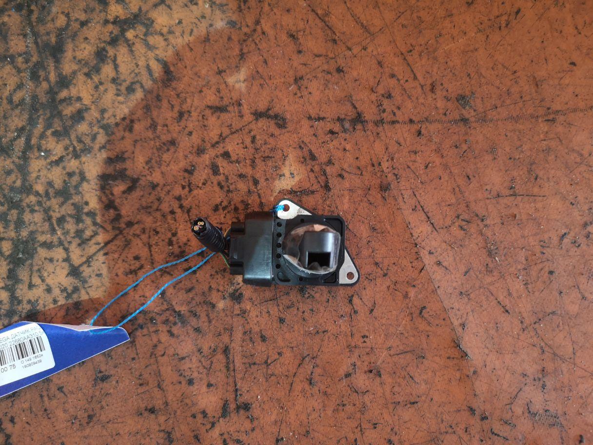 Датчик расхода воздуха Subaru Фото 1