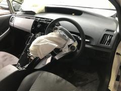 Эмблема на Toyota Prius ZVW30 2ZR-FXE 90975-02172, Заднее расположение