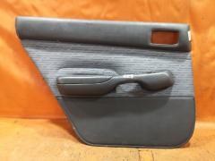 Обшивка двери на Toyota Carina AT192