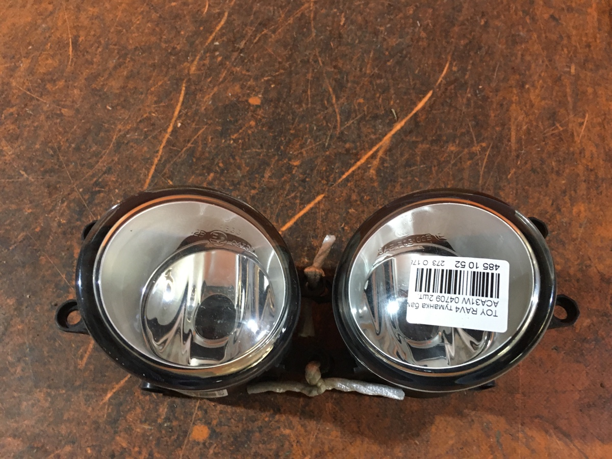 Туманка бамперная 04709 на Toyota Rav4 ACA31W Фото 1