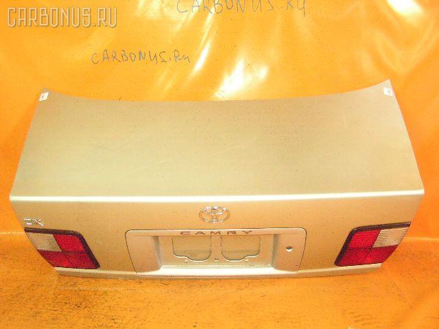 Крышка багажника TOYOTA CAMRY SV40. Фото 5