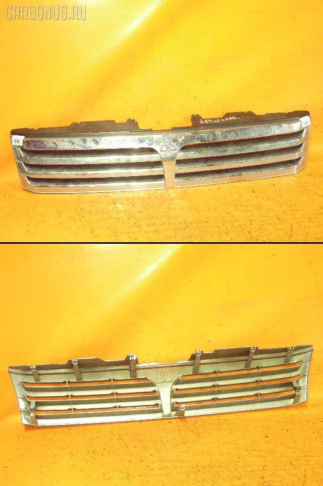 Решетка радиатора MITSUBISHI CHARIOT GRANDIS N84W. Фото 11