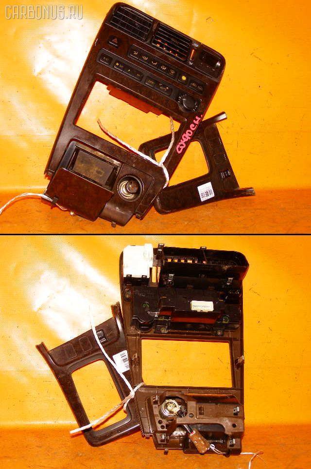 Консоль магнитофона TOYOTA CHASER GX90. Фото 9