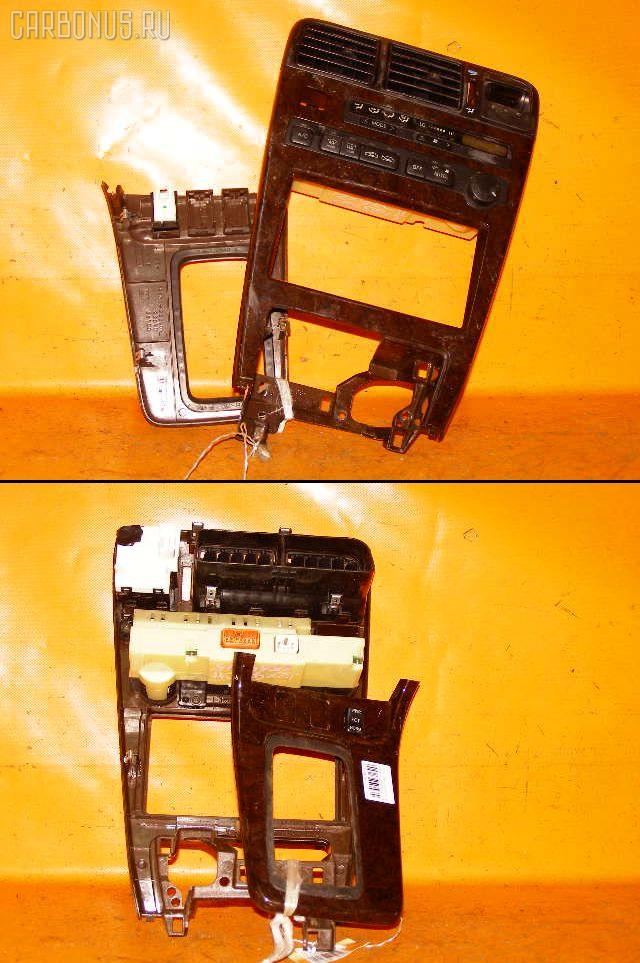 Консоль магнитофона TOYOTA CHASER GX90. Фото 10