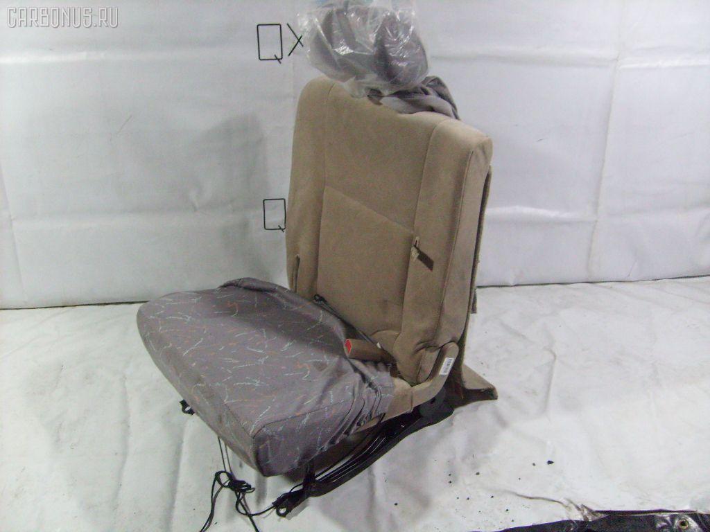 Сиденье легк TOYOTA IPSUM ACM26W. Фото 1