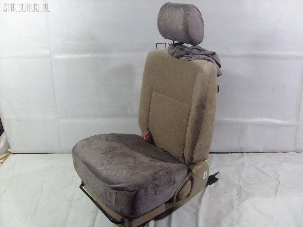 Сиденье легк TOYOTA IPSUM ACM26W. Фото 3