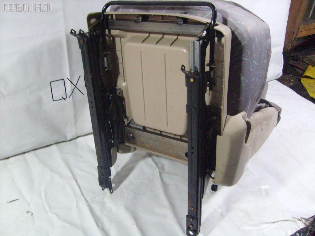 Сиденье легк TOYOTA IPSUM ACM26W. Фото 4