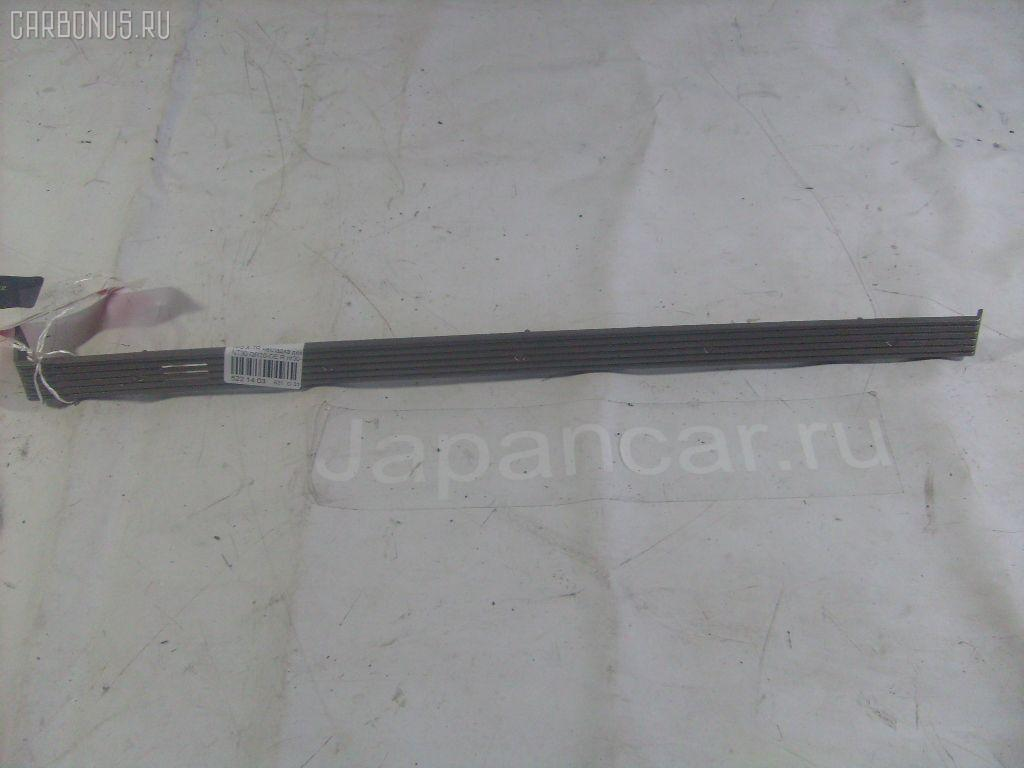 Накладка декоративная R NISSAN X-TRAIL NT30 QR20DE 2002.10 684118H300 4WD Фото 1