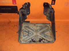 Подставка под аккумулятор Toyota Dyna XZU341 Фото 1
