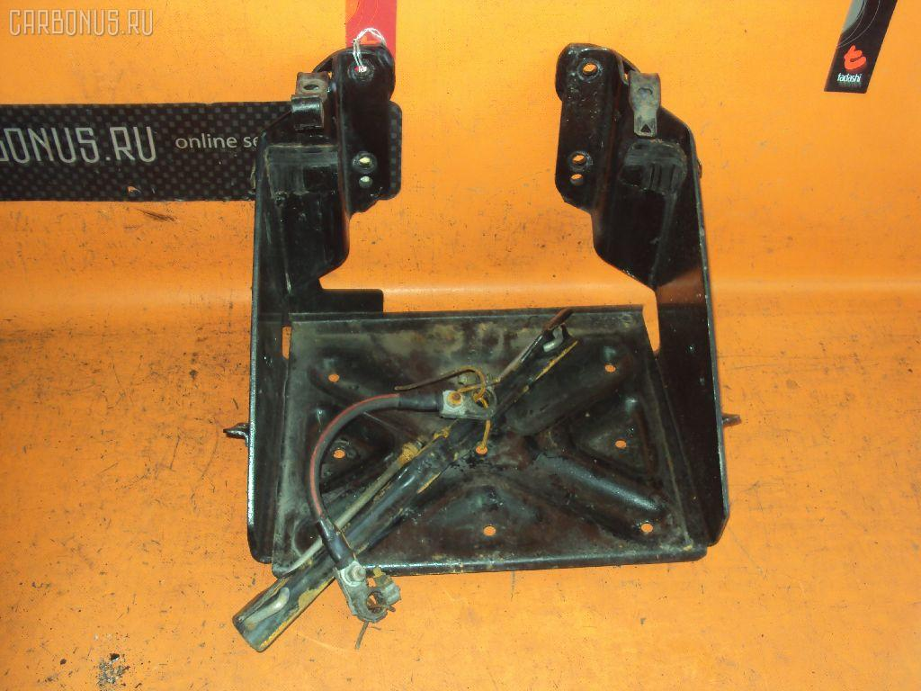 Подставка под аккумулятор HINO DUTRO XZU411M Фото 1