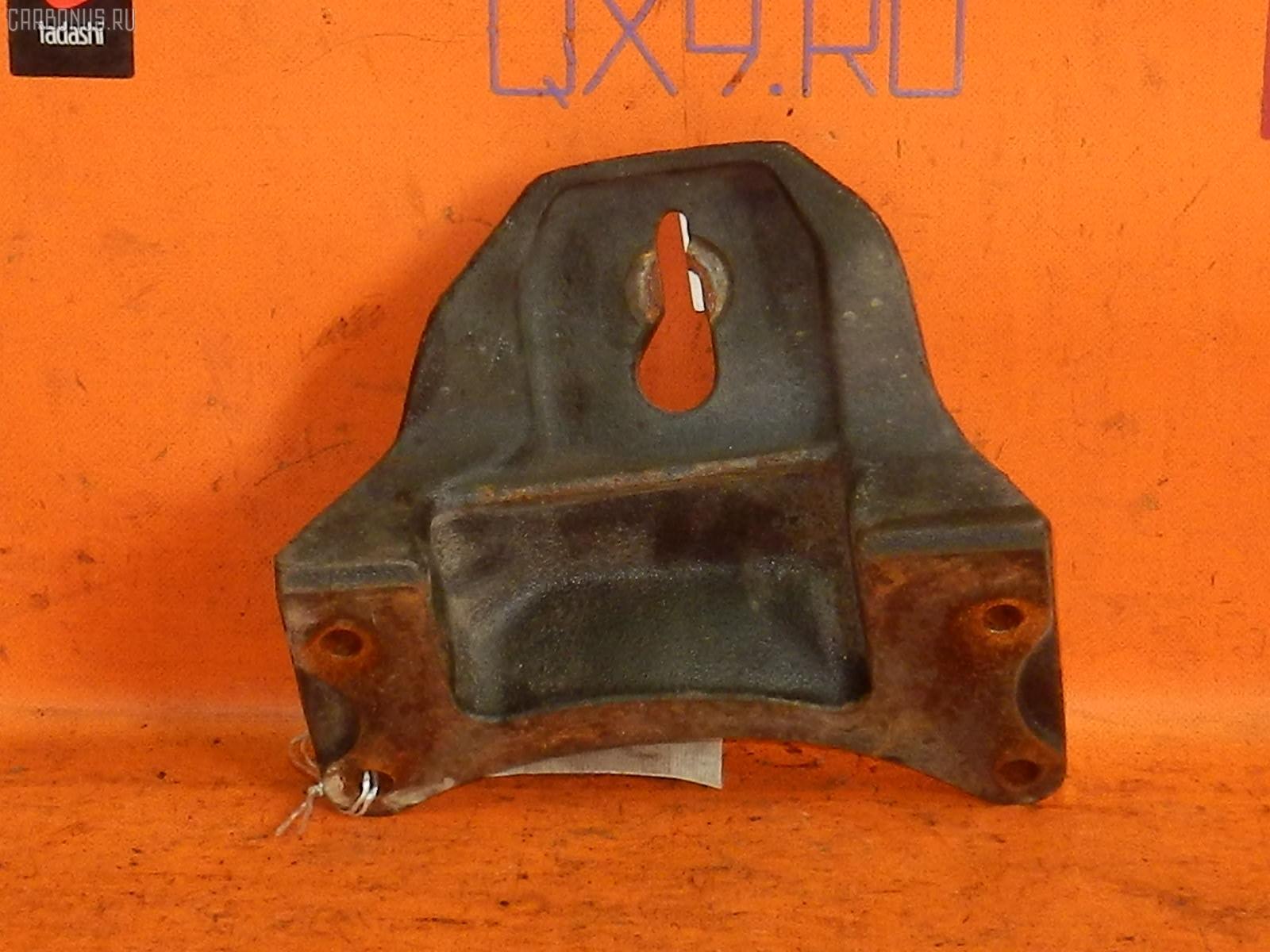 Крепление подушки ДВС HINO DUTRO XZU341M S05D Фото 2