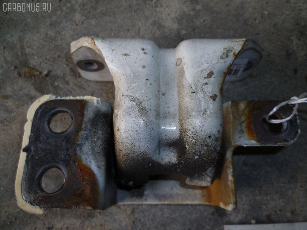 Петля двери шарнирная ISUZU ELF ASP6F23 Фото 3