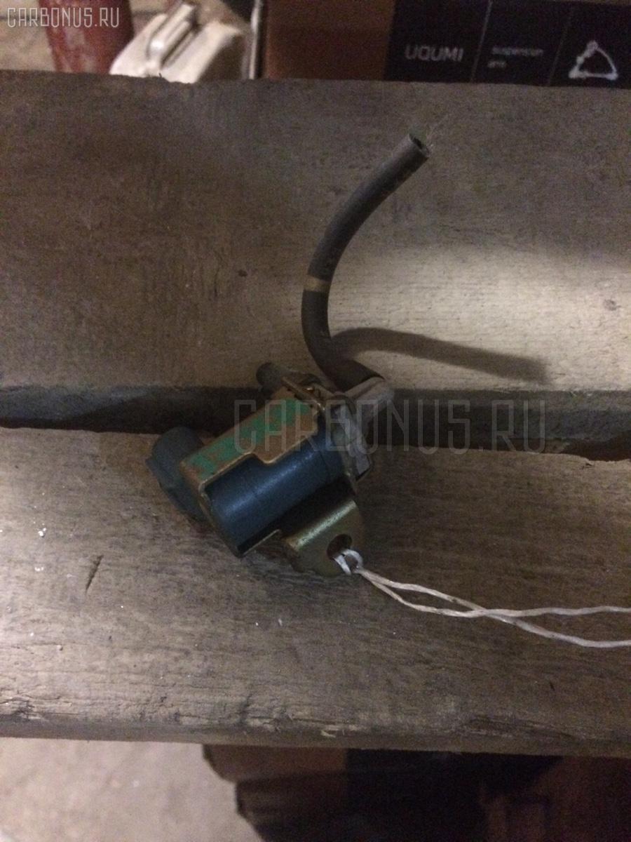 Клапан-вакуумник TOYOTA CROWN JZS171 1JZ-GE Фото 1